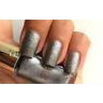 l'oreal color riche nail polish- 891 noir whisper
