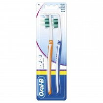 2x Oral-B 123 Classic Care Medium Adult Family Manual Toothbrush